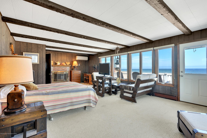 3566  Ocean Terrace - Picture 15