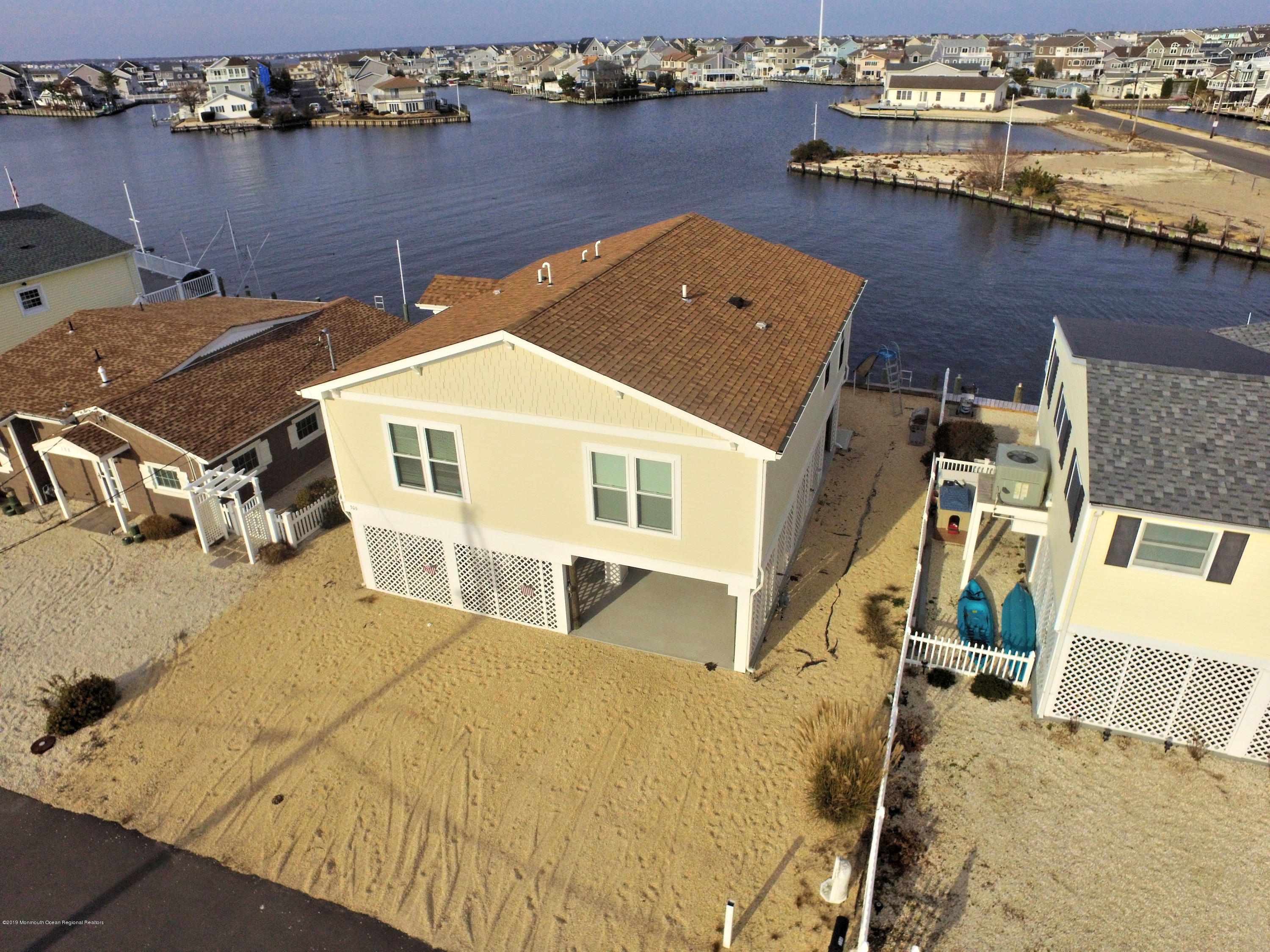 Photo of 306 W Bayview Drive, Lavallette, NJ 08735