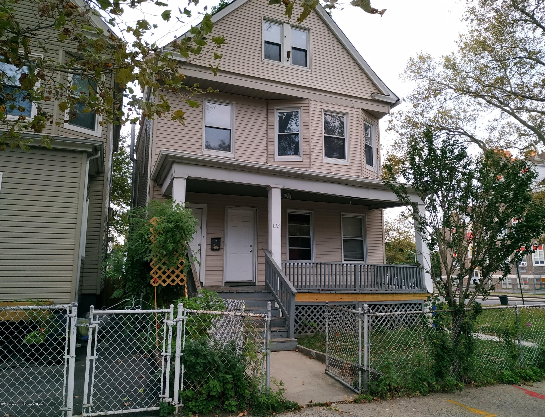 122 Greenwood Avenue
