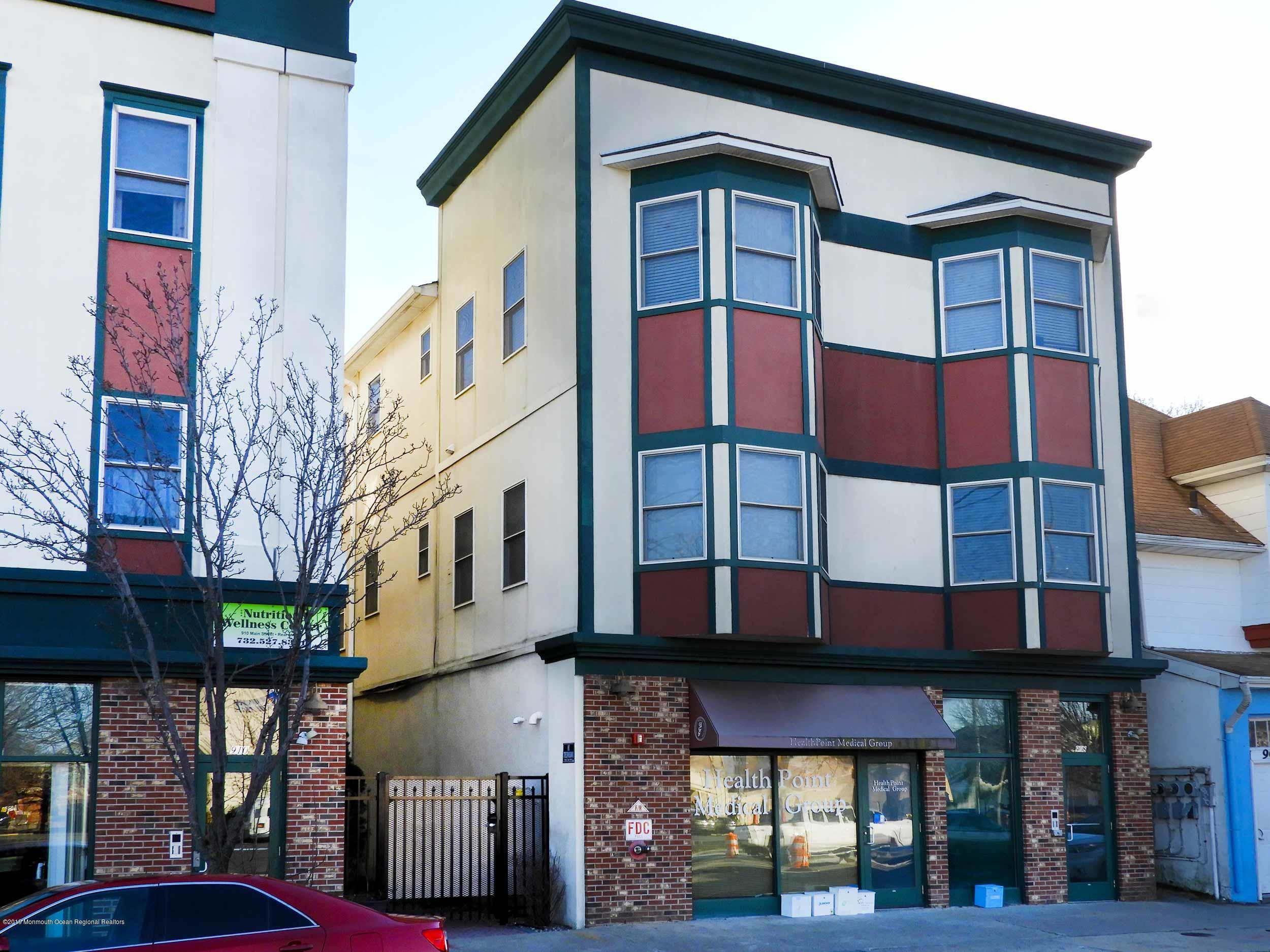 Loft style one bedroom, one bathroom condo located in Asbury Commons. Centrally located on the Main Street corridor, this property features beautiful Brazilian cherry hardwoods, 10 ft ceilings and open floor plan concept. The property also includes one off street parking space.