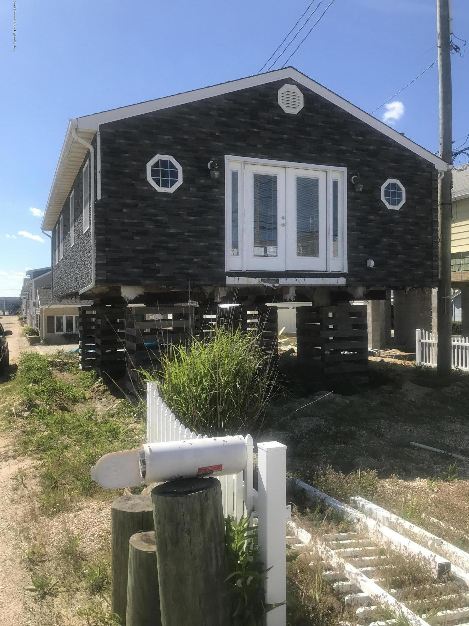 Photo of 100 W Kingfisher Way, Lavallette, NJ 08735