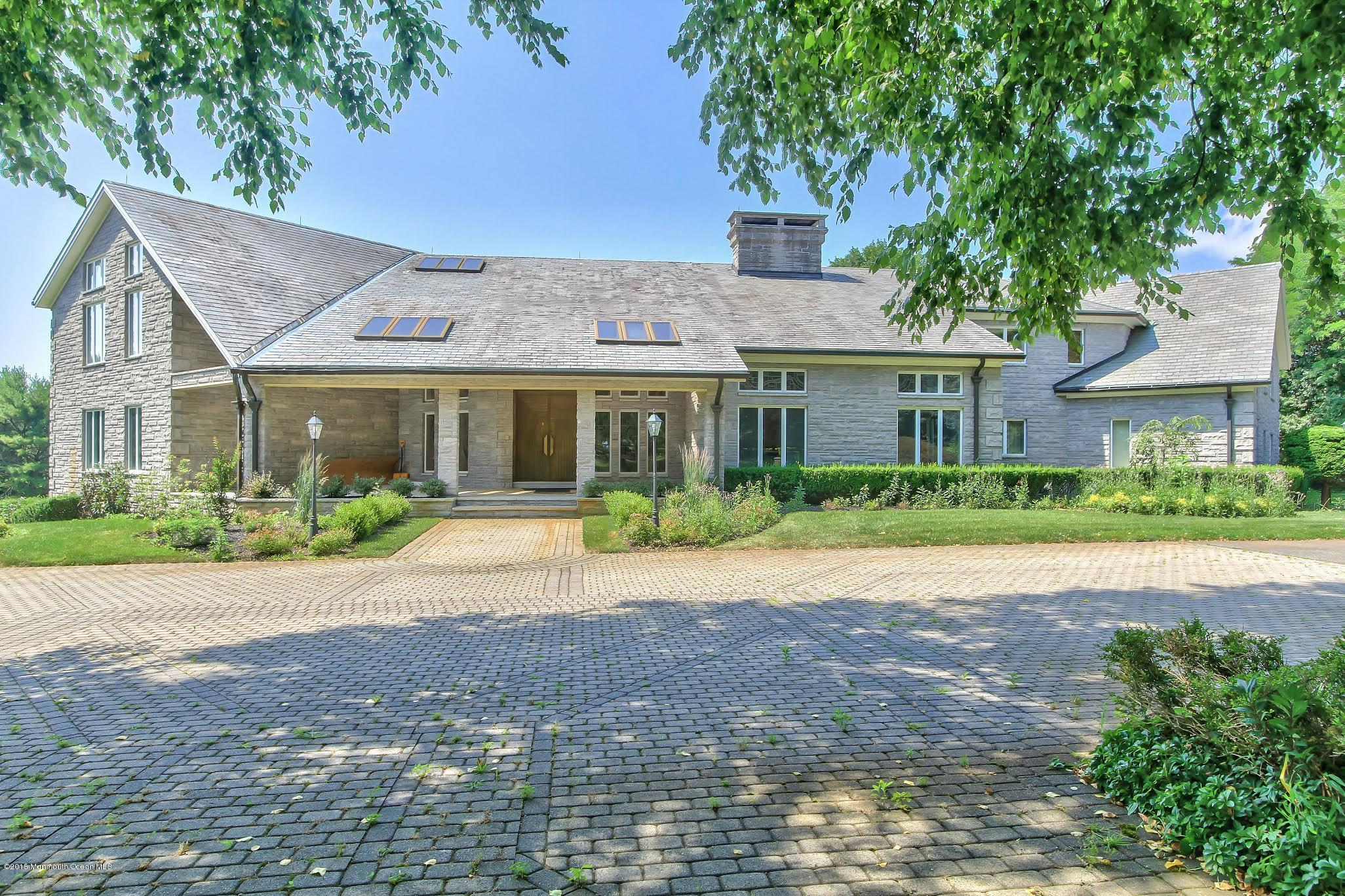 Photo of 2 Pacer Court, Colts Neck, NJ 07722