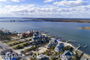 1050 Barnegat Lane, Mantoloking, NJ 08738