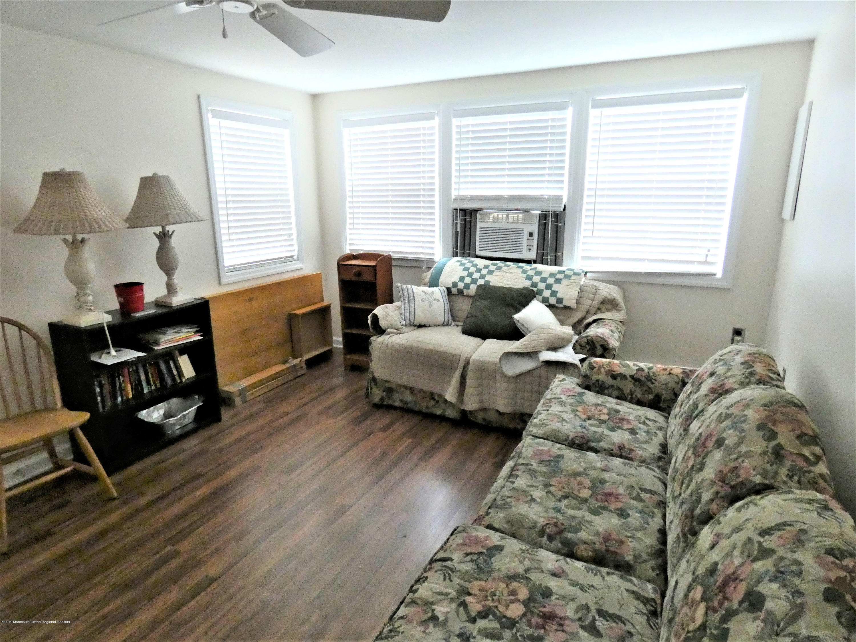20 E Rutherford Lane - Picture 4