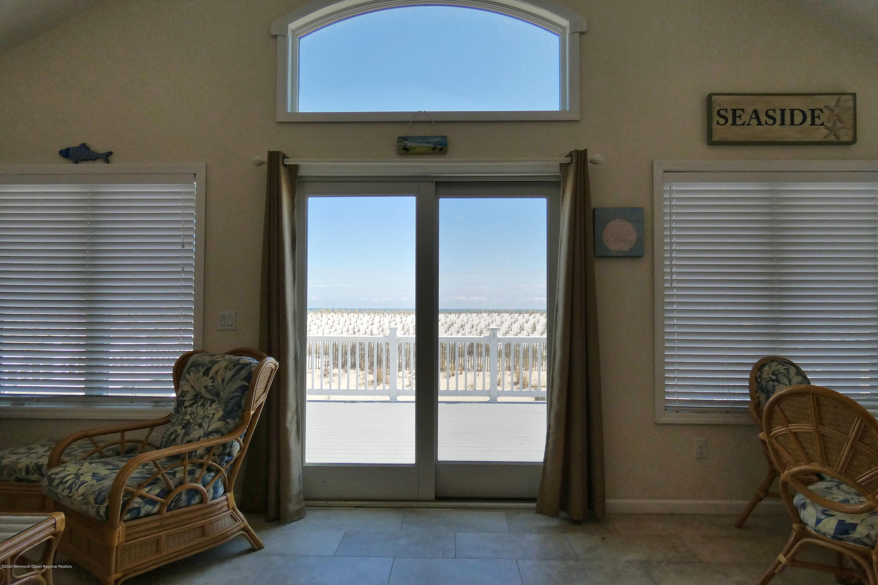 3252  Seaview Road - Picture 15