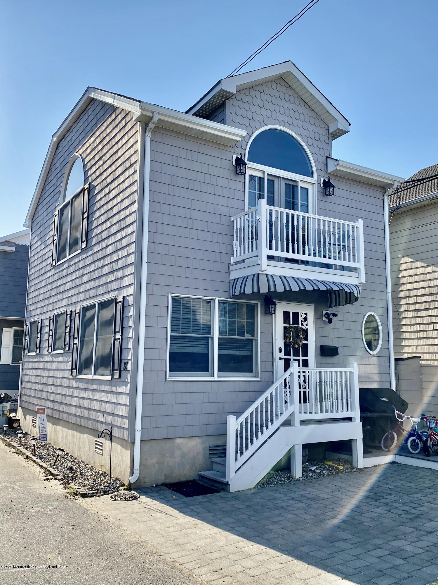 Photo of 28 E Bay Way, Lavallette, NJ 08735