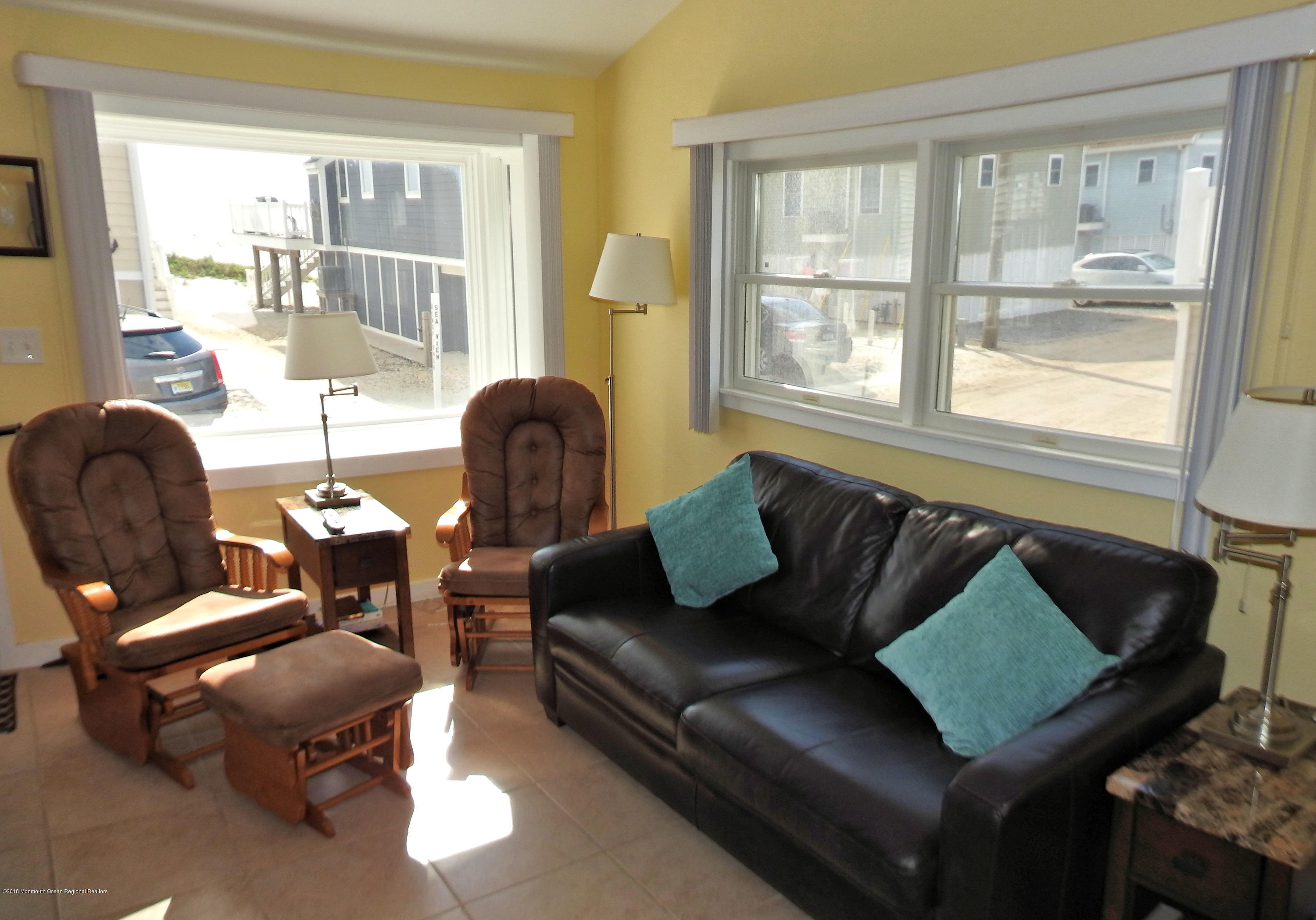 3421  Seaview Road - Picture 4