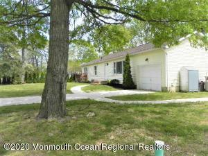 45 Central Parkway, Bayville, NJ 08721