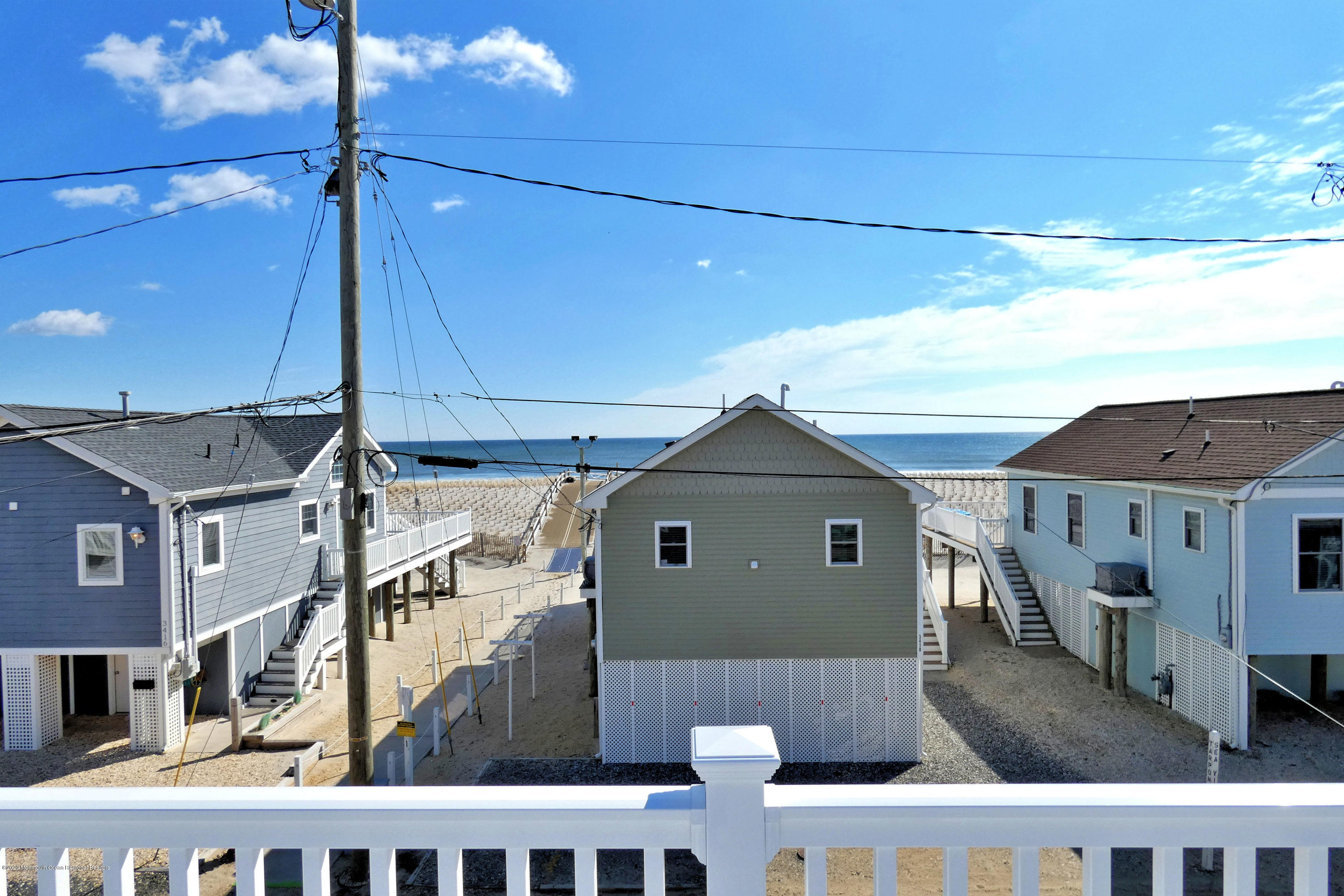 3411  Seaview Road - Picture 2
