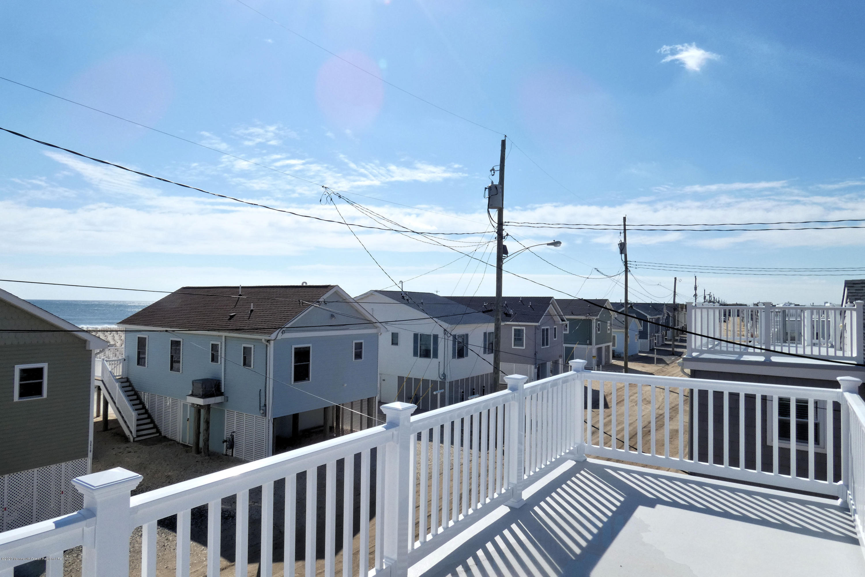 3411  Seaview Road - Picture 4