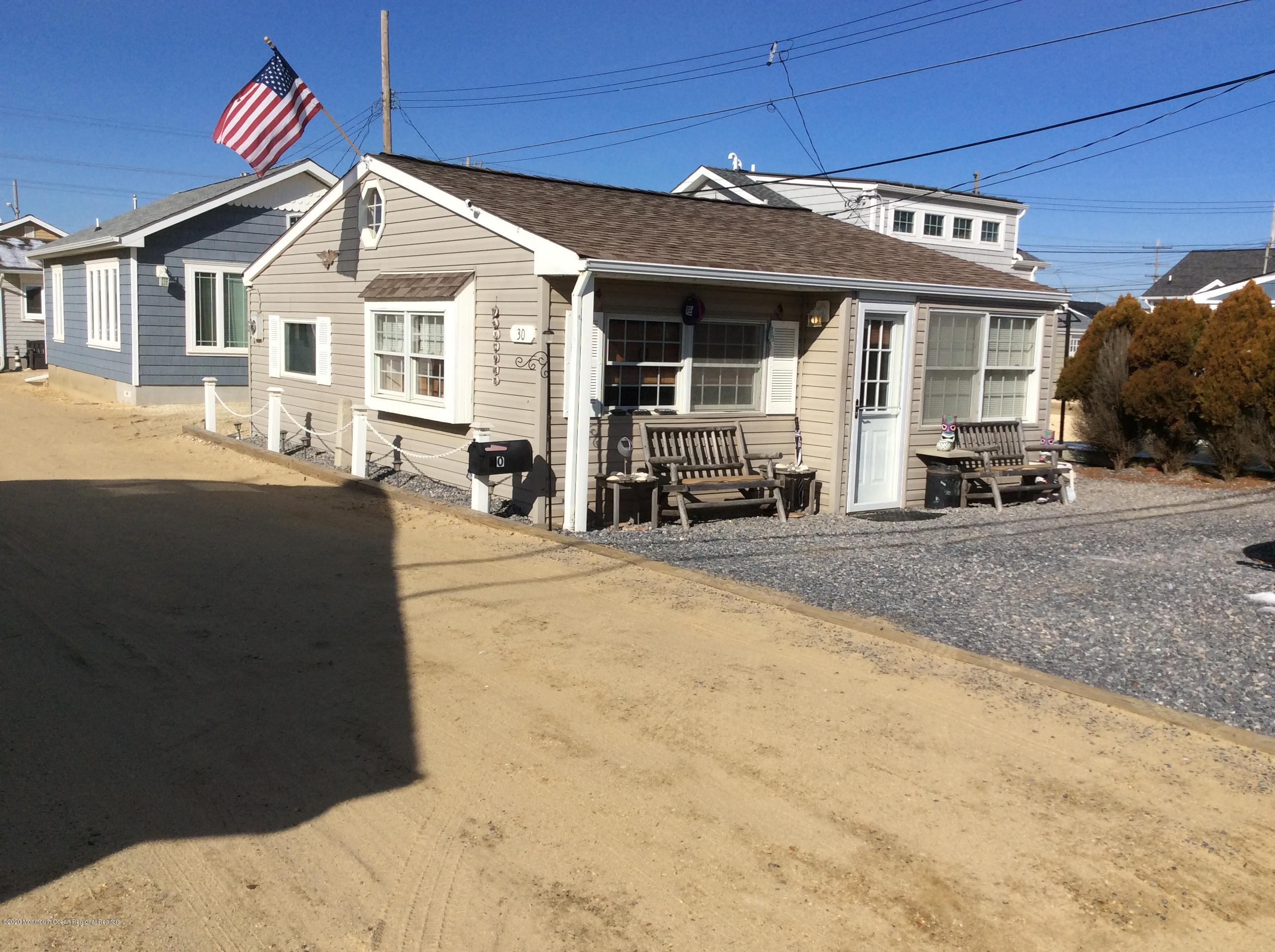 Photo of 30 E Cormorant Way, Lavallette, NJ 08735