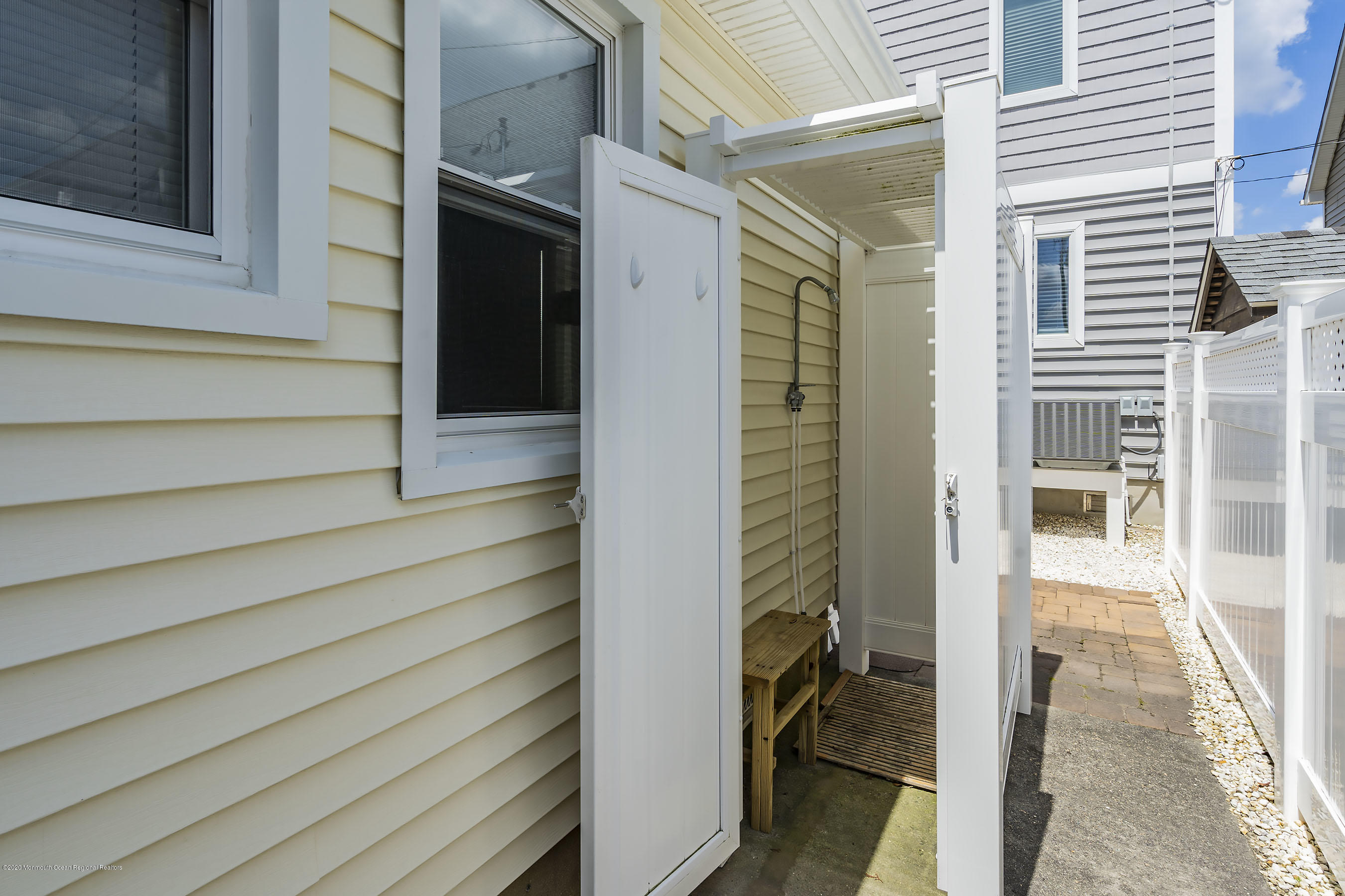 148 N Bayside Road - Picture 7