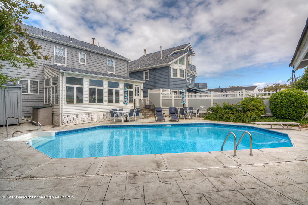 Photo of 208 New York Avenue, Point Pleasant Beach, NJ 08742