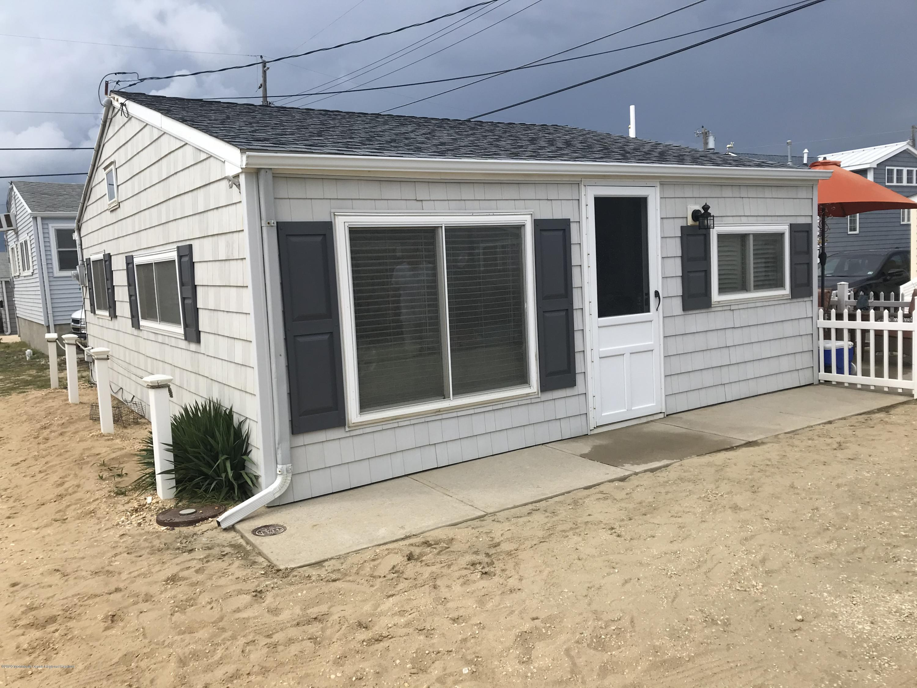 Photo of 26 E Penguin Way, Lavallette, NJ 08735