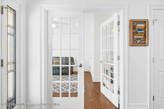 105  Elizabeth Avenue - Picture 18