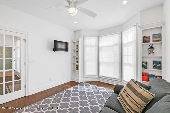 105  Elizabeth Avenue - Picture 19