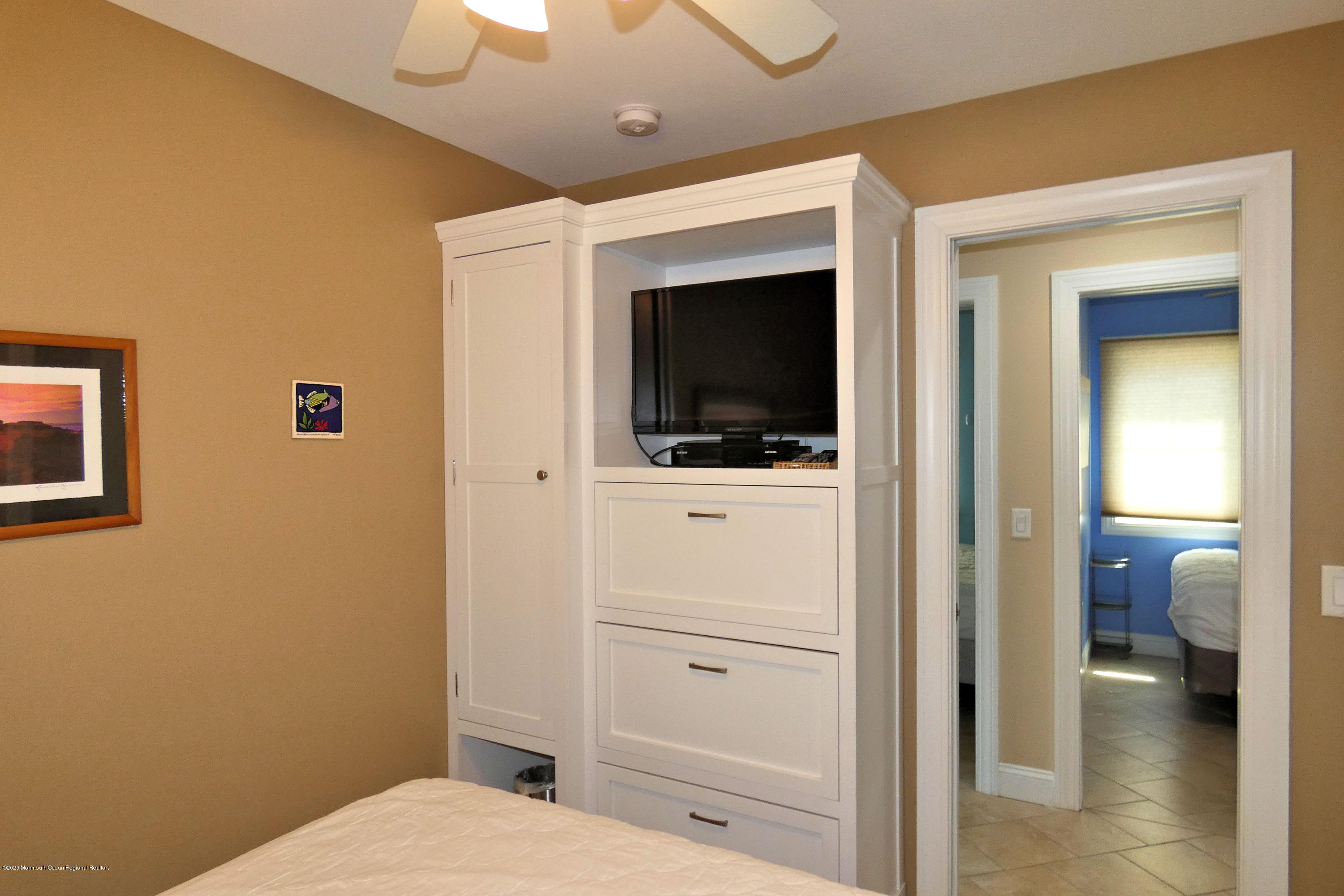 3250  Seaview Road - Picture 22