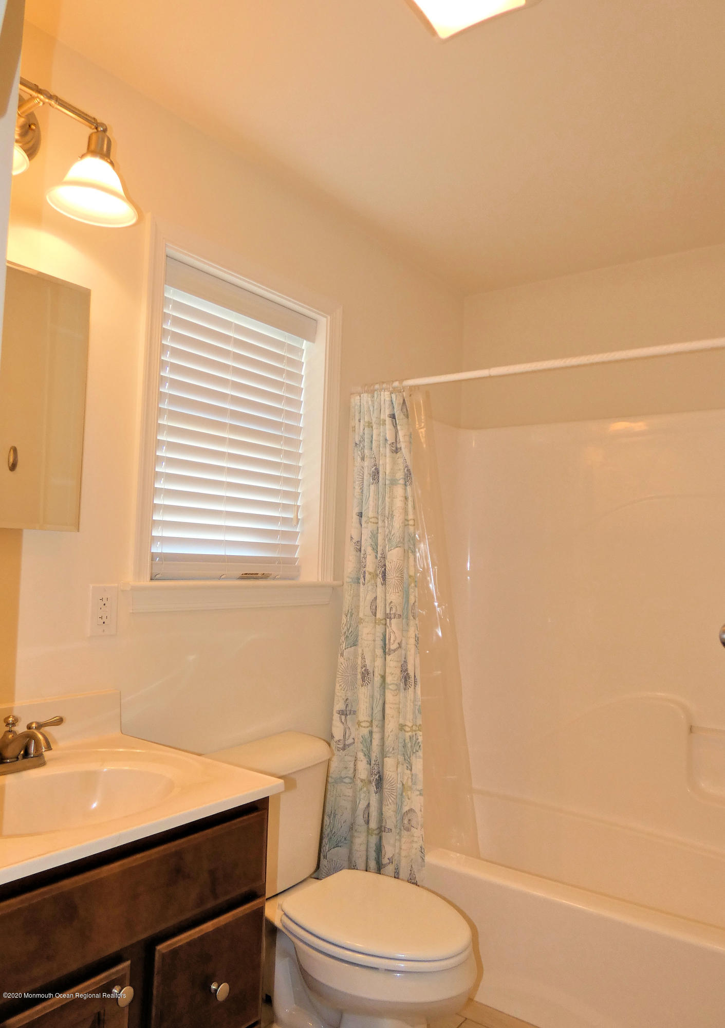 3410  Seaview Road - Picture 10