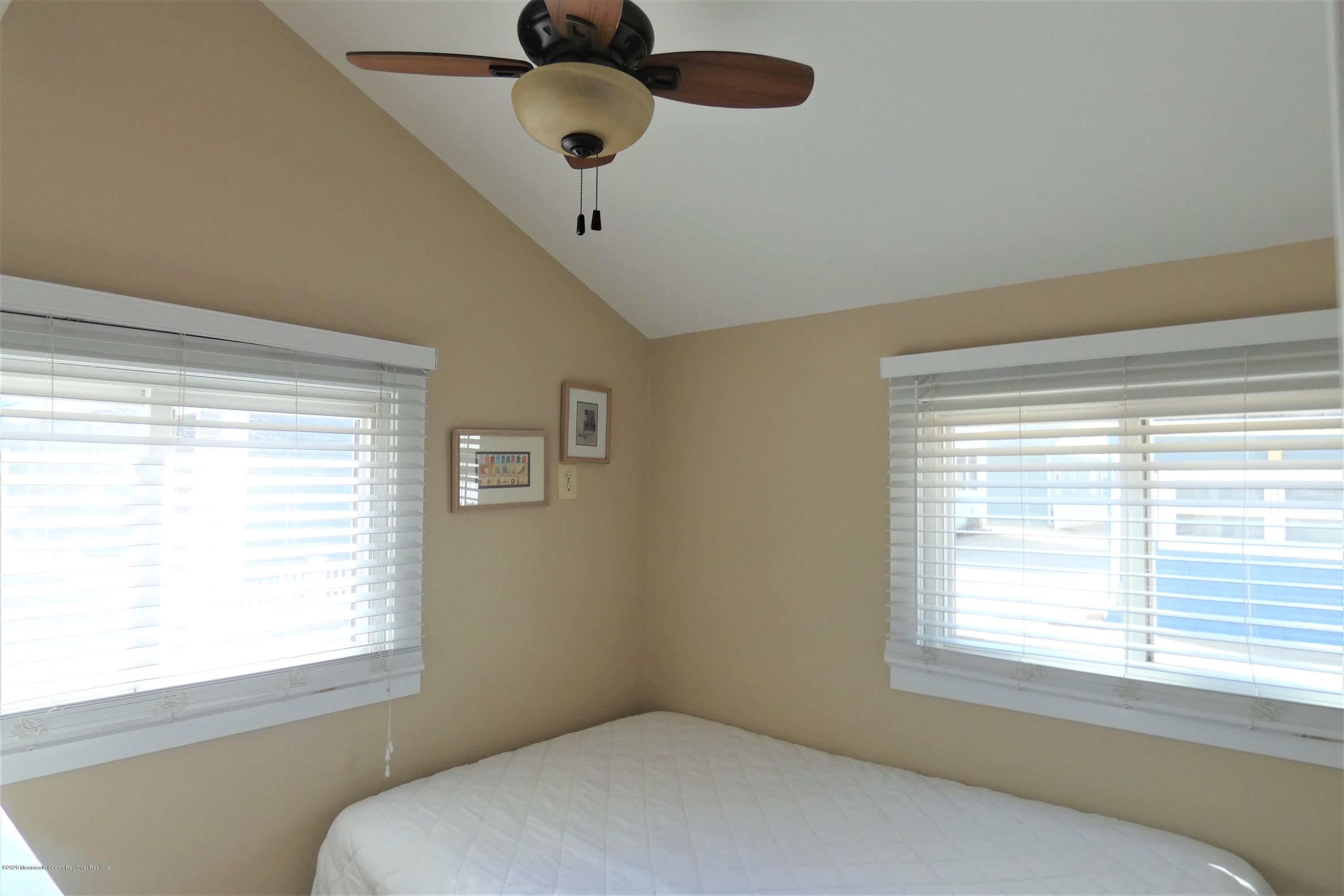26 E Dolphin Way - Picture 6