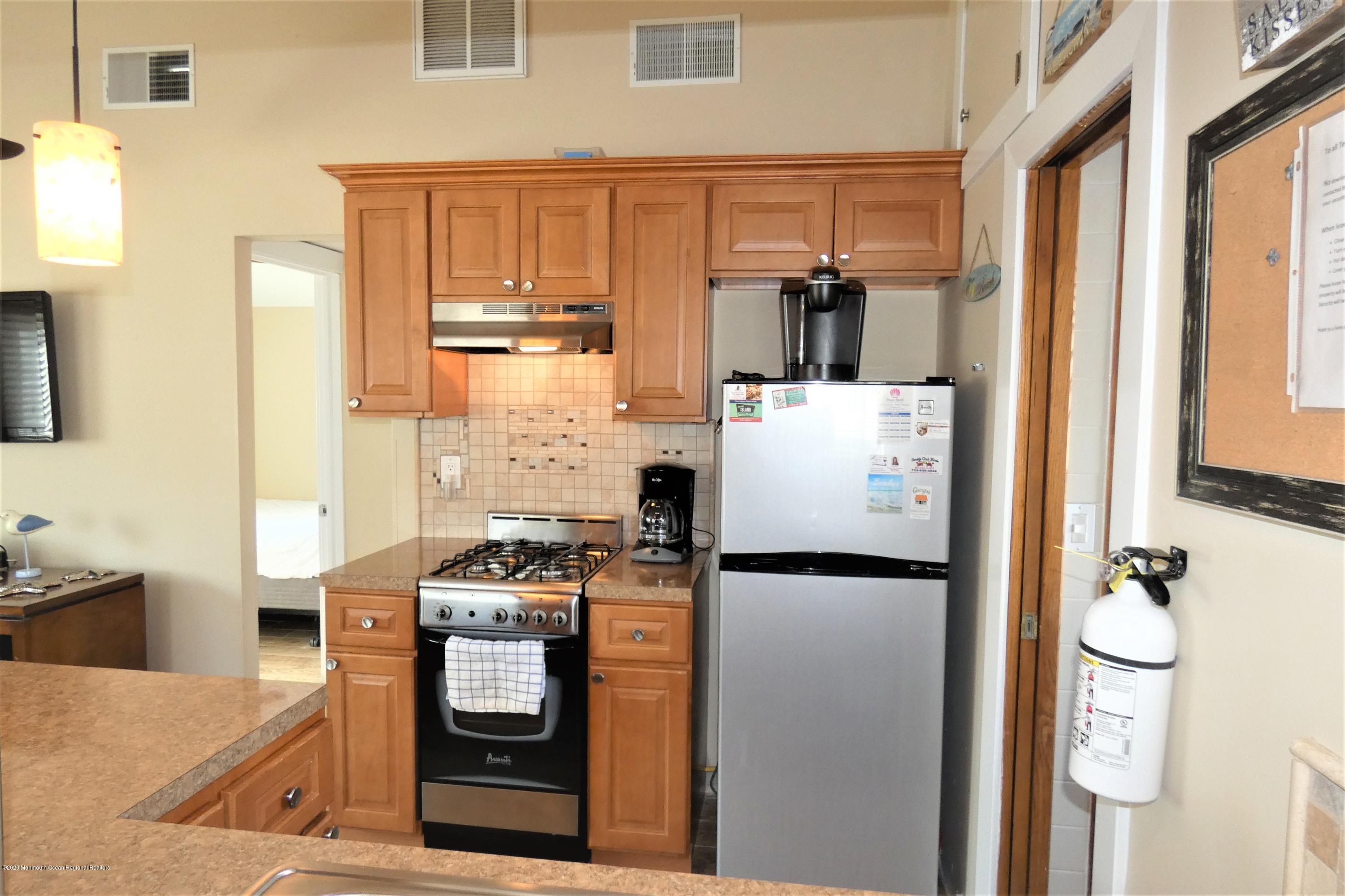 26 E Dolphin Way - Picture 9