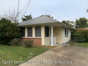 3 Acapulco Place, Toms River, NJ 08753