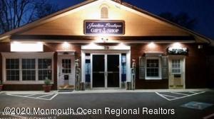 79 Leonardville Road, Belford, NJ 07718
