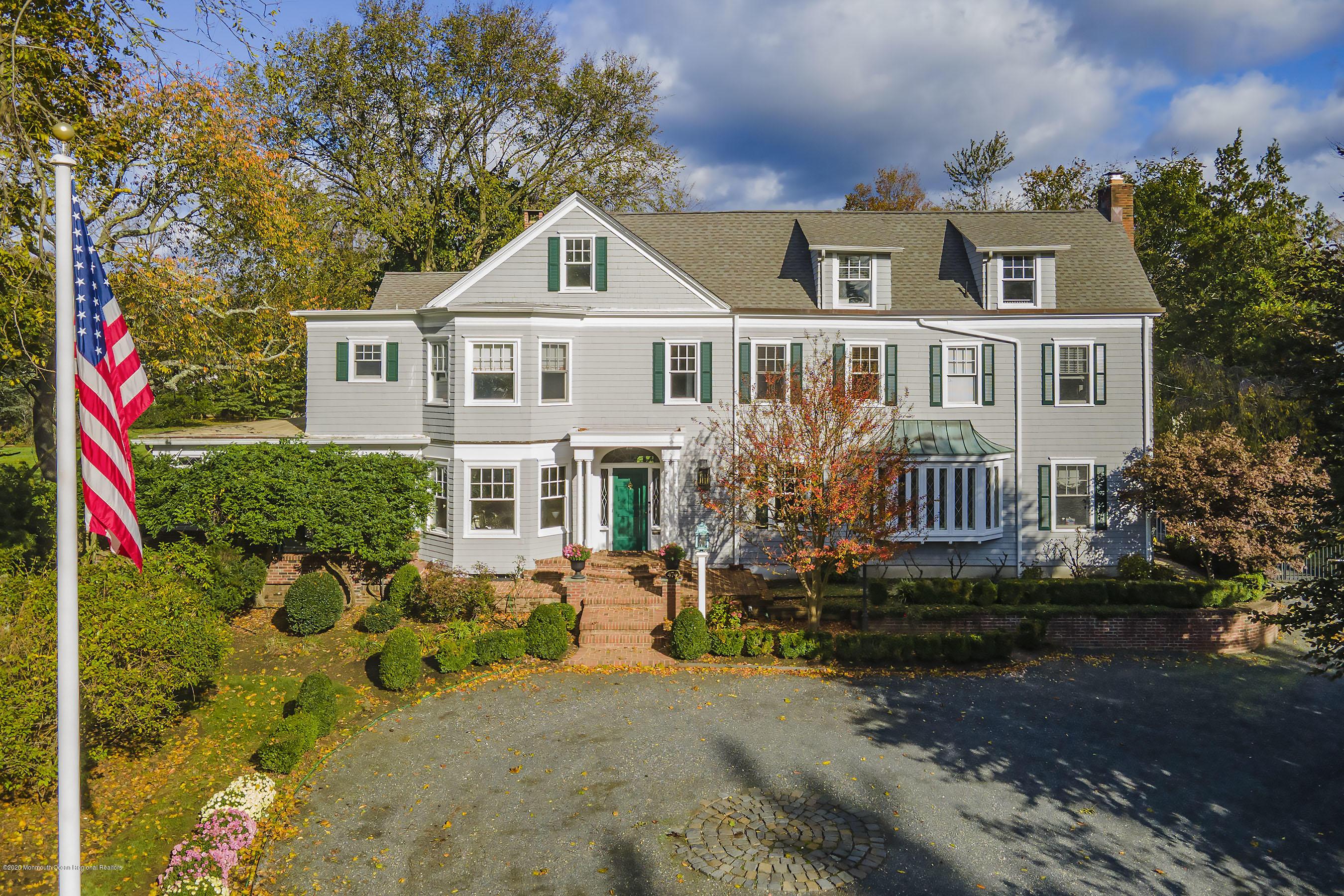 Photo of 474 Sycamore Avenue, Shrewsbury Boro, NJ 07702