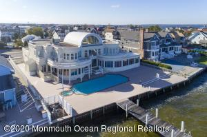 91 Pershing Boulevard, Lavallette, NJ 08735