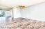 ceiling fan in living /dining area