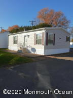3 years young and still looking brand new. This manufactured home is on a corner light giving it the benefit of sun light streaming in from multiple directions.
