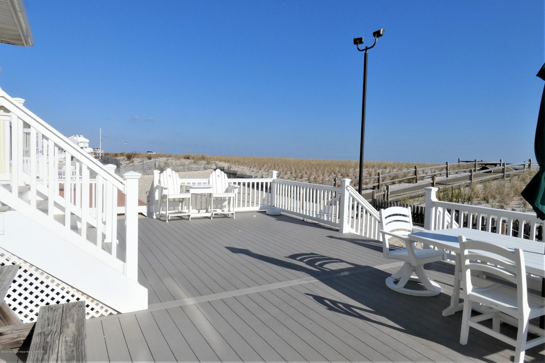 3180  Ocean Road - Picture 18