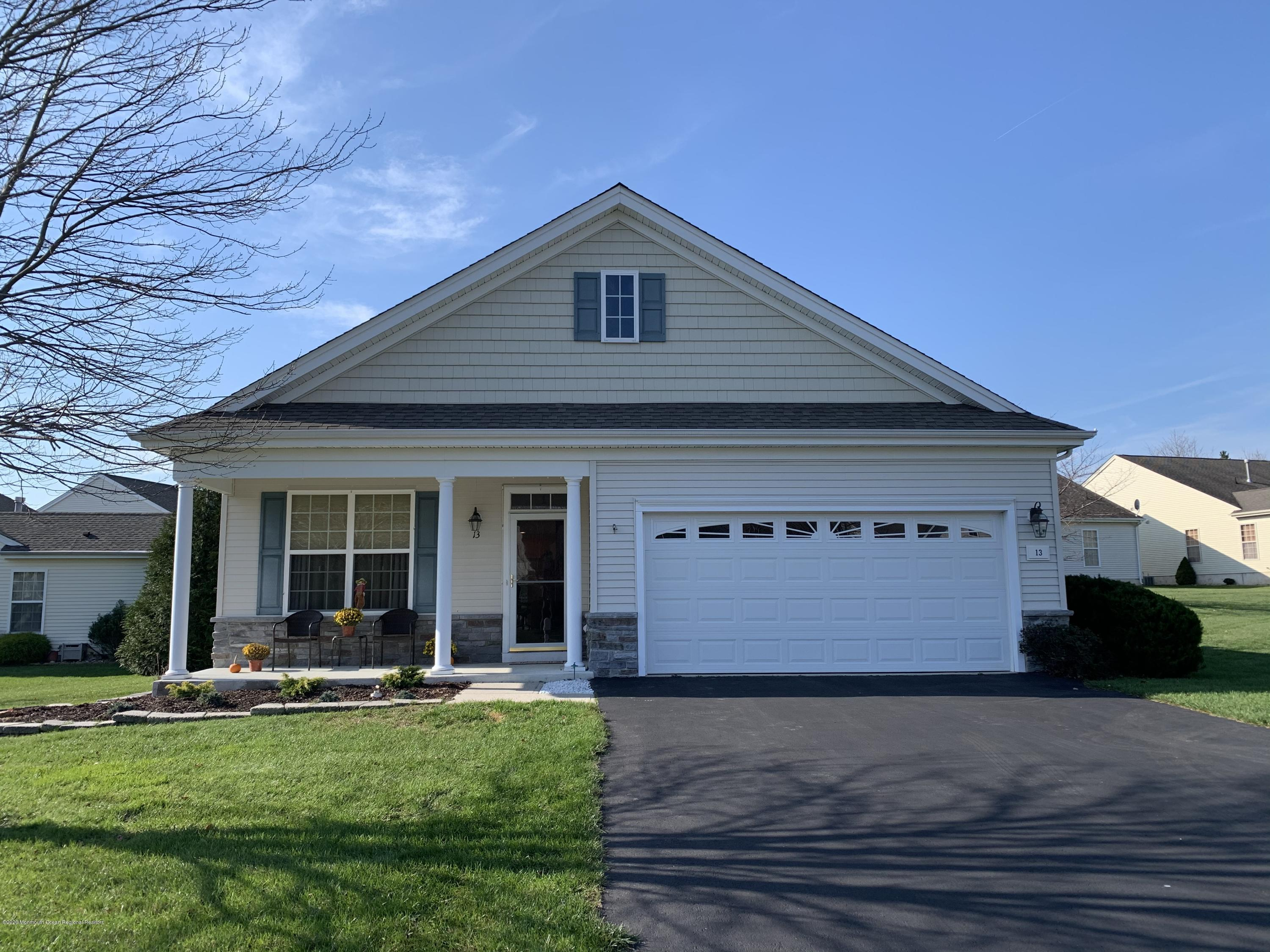 Well-maintained Barnegat model, 2BR/2BA with Enclosed Porch on wider, premium lot in a cul-de-sac, easy walk to Breakers Spa Center. Kitchen is open to Family Room, granite countertop, newer dishwasher, upgraded vinyl windows, MBR w/Walk-in Closet. Master Bath w/ Stall Shower.  Newer water heater (2015), newer carpets. Located in Heritage Point with Two Clubhouses In & Outdoor Pools, Tennis, Bocce, hot tub, saunas, fitness center, putting green, chipping green, horseshoe pits.