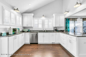 Gourmet Kitchen with vaulted ceiling - designer showcase!