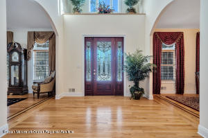 20' ceilings in the front foyer offer a grand entrance.