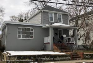 4 bedrooms, 2 full baths, walk out basement, large yard, hardwood floors . New roof, new siding. House needs work.