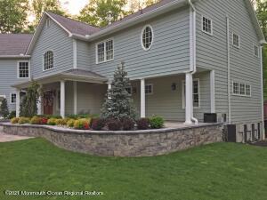 8 Rosedale Terrace, Holmdel, NJ 07733
