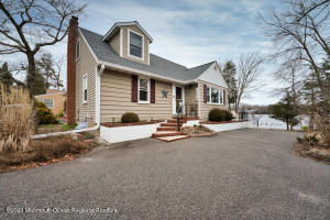1800 Lakeside Drive S, Forked River, NJ 08731