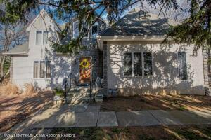41 Silvers Road, Freehold, NJ 07728