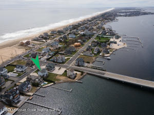 1126 Barnegat Lane, Mantoloking, NJ 08738