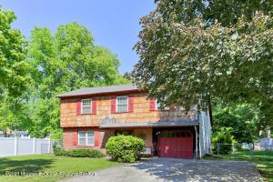 9 Wylie Terrace, Morganville, NJ 07751