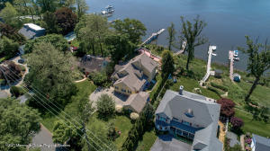 Waterfront paradise on the Navesink River