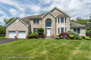 9 Tranquil Court, Freehold, NJ 07728