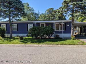 83 Beaver Avenue, Whiting, NJ 08759