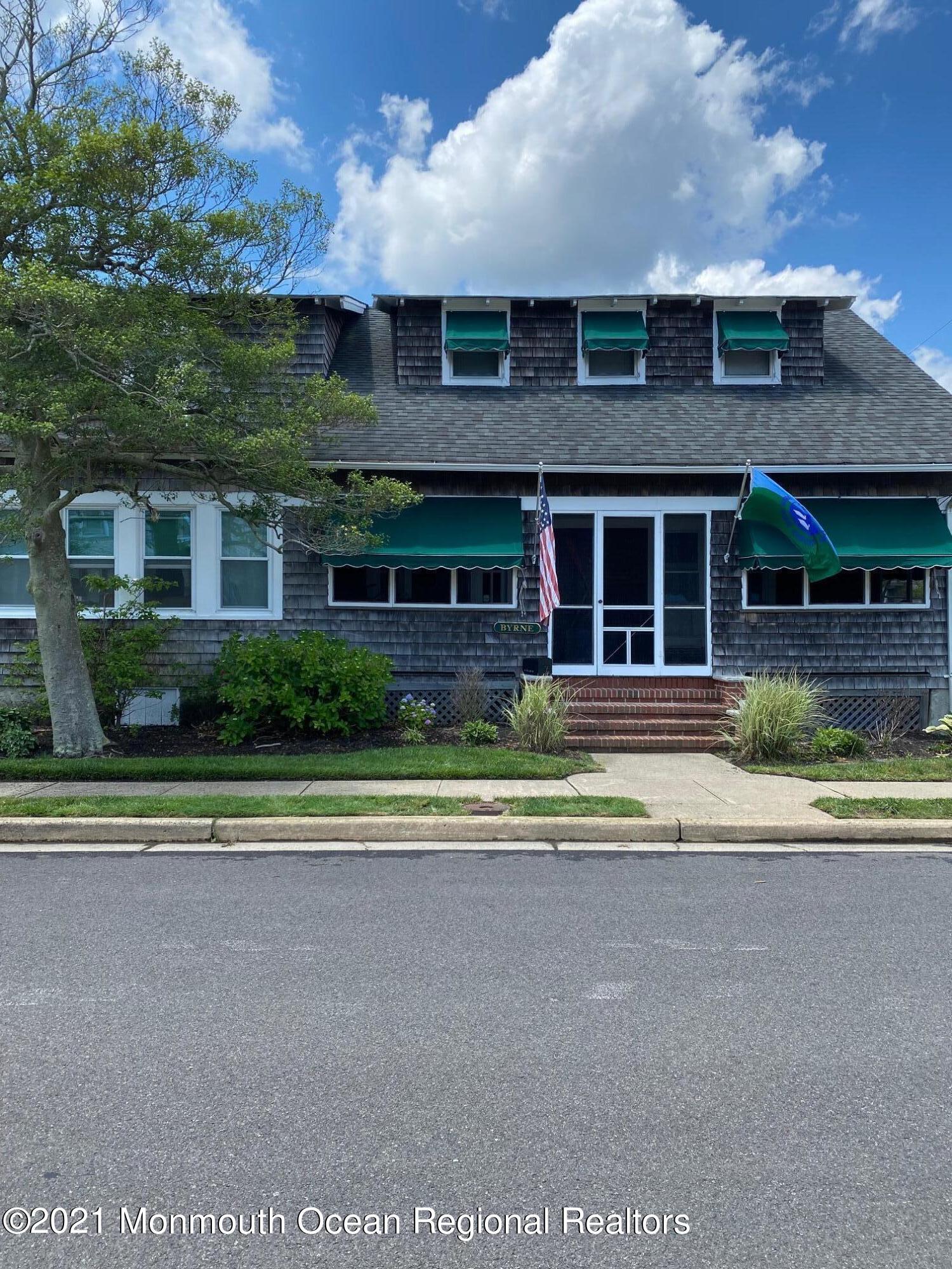 Photo of 400 W Lake Avenue, Bay Head, NJ 08742
