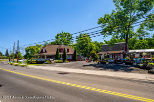104 Main Street, Helmetta, NJ 08828