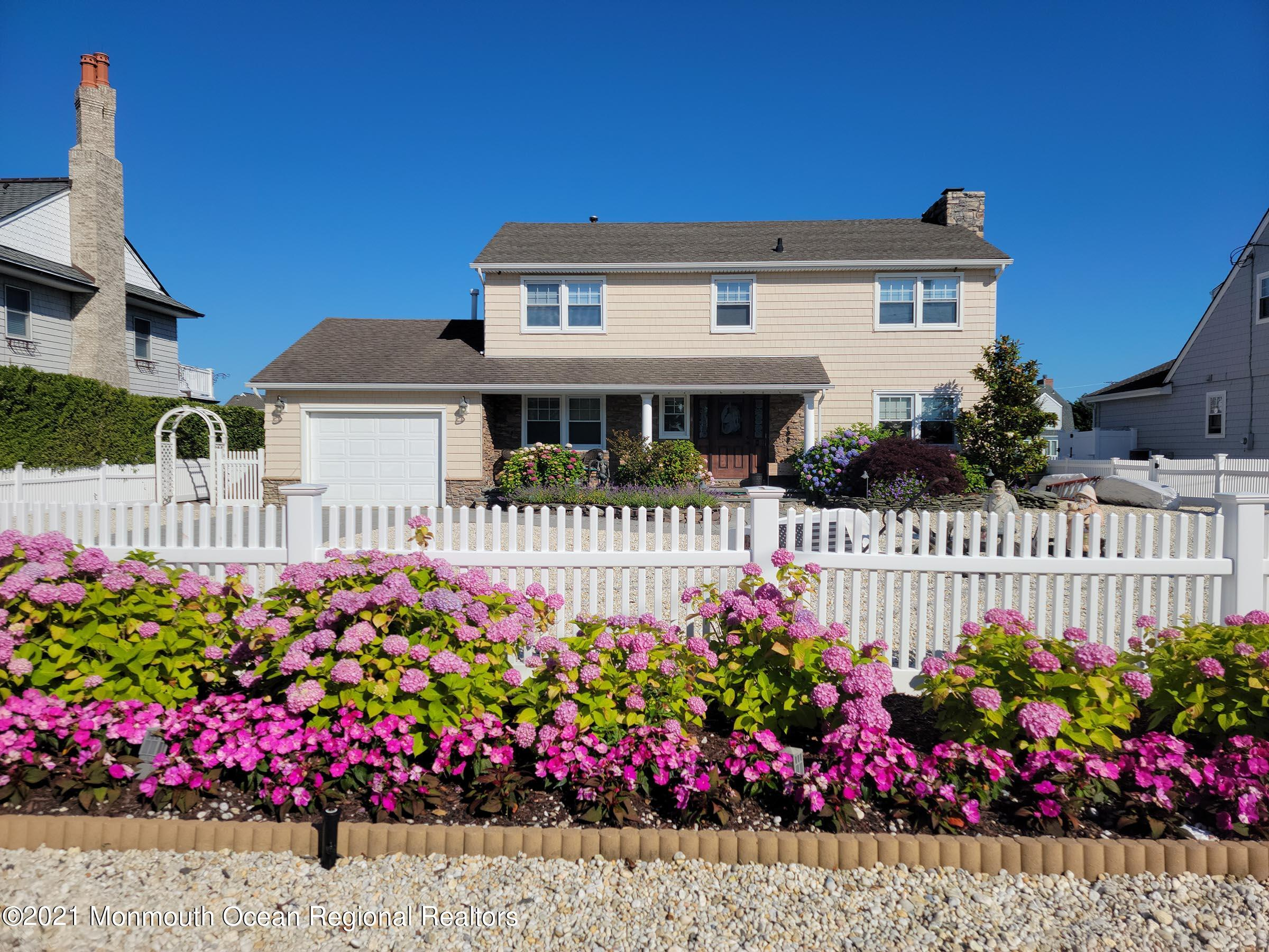 Photo of 242 Curtis Point Drive, Mantoloking, NJ 08738