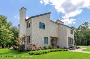 13 Hidden Pines Drive, Millstone, NJ 08535
