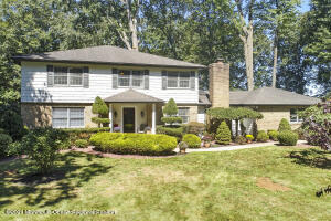 26 W Parkway Place, Holmdel, NJ 07733
