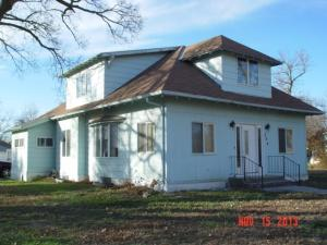 309 N 6th Ave, Lake Andes, SD 57356