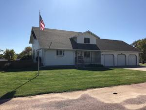 320 Chateau Dr, Pickstown, SD 57367